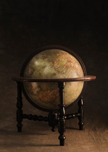Souvenir「Antique globe and stand」:スマホ壁紙(12)