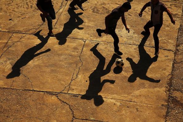 Soccer「Refugees Fleeing ISIS Offensive Pour Into Kurdistan」:写真・画像(8)[壁紙.com]