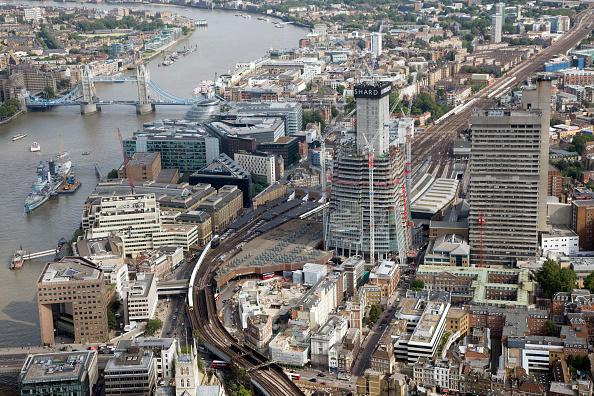 Railroad Track「Shard under construction  London  UK  2011」:写真・画像(9)[壁紙.com]