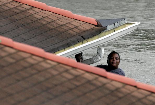 Pensacola「Hurricane Katrina Hits The Gulf Coast」:写真・画像(12)[壁紙.com]