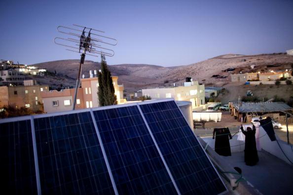 Middle East「Solar Power Brings Light To Bedouin Arab Village」:写真・画像(15)[壁紙.com]