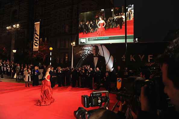 Eamonn M「Skyfall - Royal World Premiere - Arrivals」:写真・画像(8)[壁紙.com]