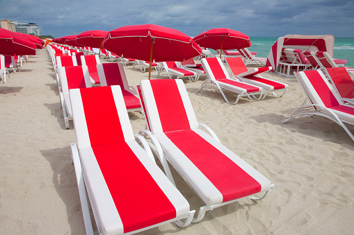 Miami Beach「Striped chaise longues on beach, Miami」:スマホ壁紙(7)