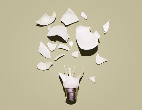 Destruction「Broken lightbulb.」:スマホ壁紙(19)