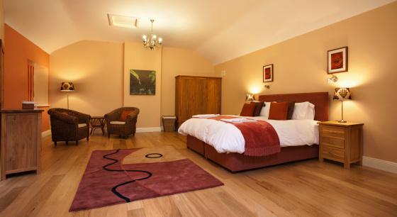 豊か「ホテルのベッドルーム」:スマホ壁紙(8)