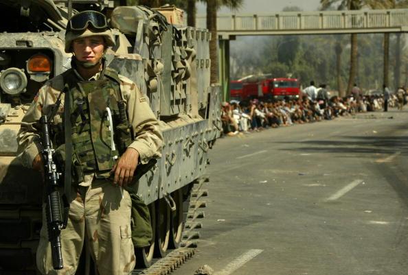 Middle East「Aftermath Of Violent Iraqi Protest in Baghdad」:写真・画像(8)[壁紙.com]
