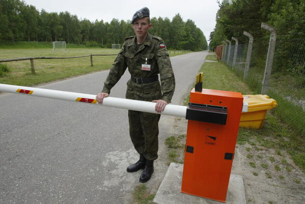 Entrance「Anti-missile Shields in Poland」:写真・画像(14)[壁紙.com]