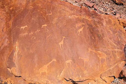 Giraffe「Namibia, Damaraland, Twyfelfontein, Petroglyphs」:スマホ壁紙(18)