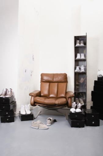 Shoe Store「Shoe shop, interior, assortment of trainers」:スマホ壁紙(13)