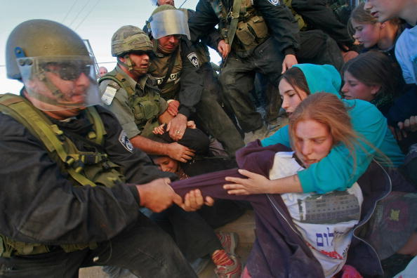 West Bank「Israeli Police Evacuate Settlers From Disputed Hebron House」:写真・画像(11)[壁紙.com]