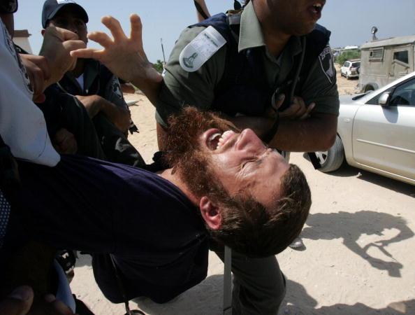 Marco Di Lauro「Israeli Police Unit Deployed Against Resisting Jewish Settlers」:写真・画像(12)[壁紙.com]