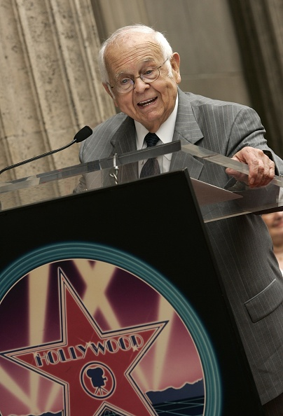 El Capitan Theatre「David Milch Receieves A Star On The Hollywood Walk Of Fame」:写真・画像(1)[壁紙.com]