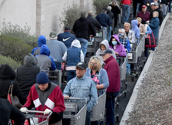Economy「Stores Offer Shopping Times For Elderly And Vulnerable Citizens To Protect Against Coronavirus Transmission」:写真・画像(9)[壁紙.com]