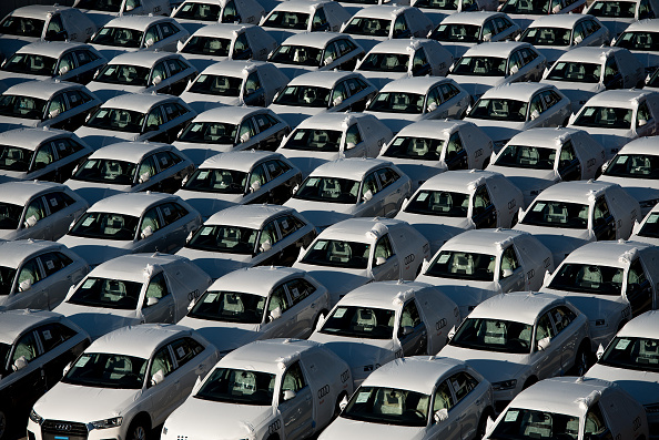In A Row「Spanish Vehicles Exports At Highest Level For Five Years」:写真・画像(15)[壁紙.com]