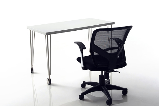Small Office「A desk and a chair in the office」:スマホ壁紙(10)