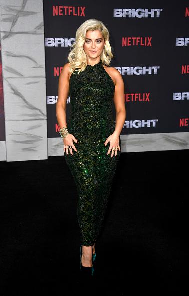 ポインテッドトゥ「Premiere Of Netflix's 'Bright' - Arrivals」:写真・画像(9)[壁紙.com]