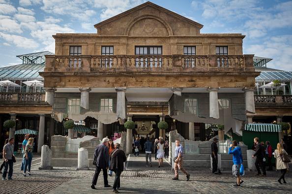 Covent Garden「Artist Alex Chinneck Installation In Covent Garden」:写真・画像(2)[壁紙.com]