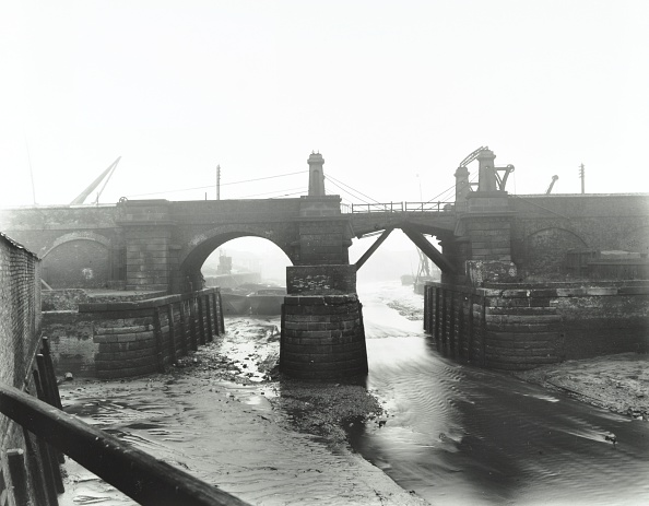 Physical Geography「Railway Bridge Across Deptford Creek, London, 1913」:写真・画像(15)[壁紙.com]