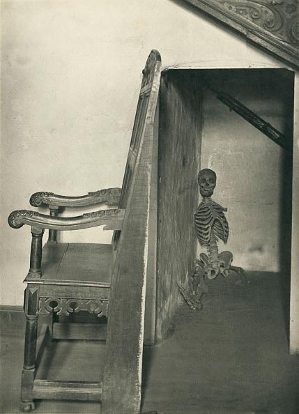 Closet「Skeleton In The Closet」:写真・画像(19)[壁紙.com]