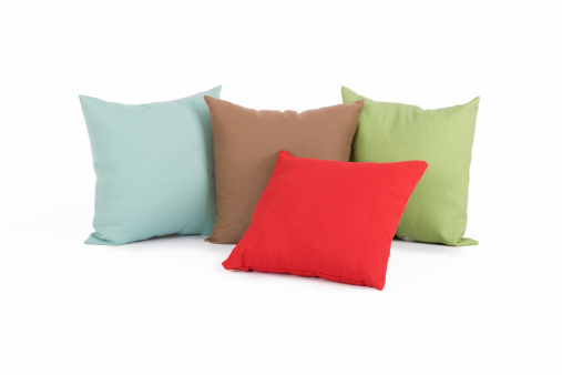 Saturated Color「Four different colored pillows」:スマホ壁紙(2)