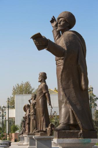 Preacher「Statues in Ylham seyilgahi, Ashgabat」:スマホ壁紙(8)