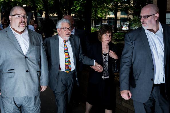 Human Role「Entertainer Rolf Harris Sentenced After Indecent Assault Trial」:写真・画像(4)[壁紙.com]