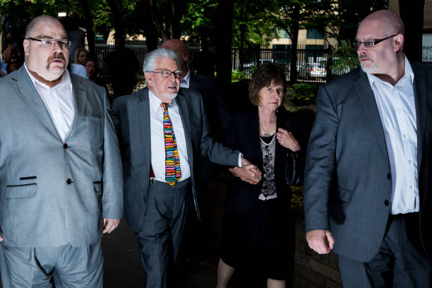 Entertainer Rolf Harris Sentenced After Indecent Assault Trial:ニュース(壁紙.com)