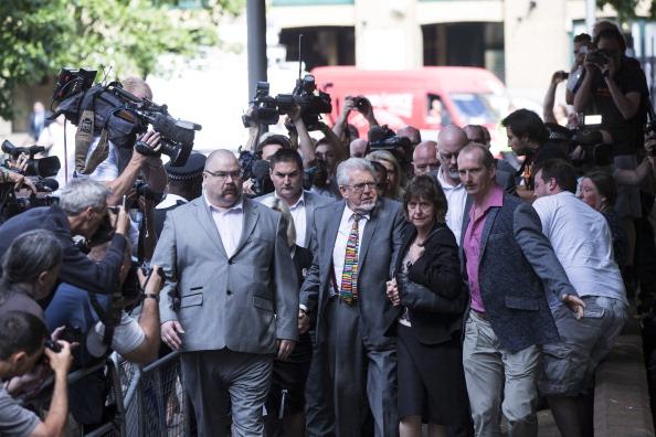 Human Role「Entertainer Rolf Harris Sentenced After Indecent Assault Trial」:写真・画像(3)[壁紙.com]