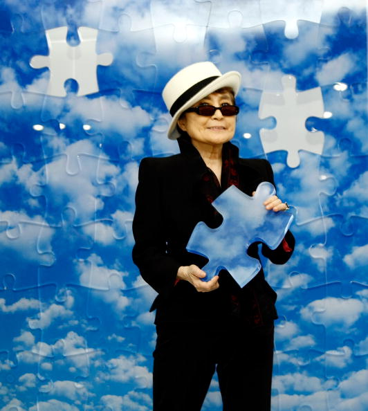 "Art Product「Unveiling of ""Promise Piece"" By Yoko Ono」:写真・画像(13)[壁紙.com]"