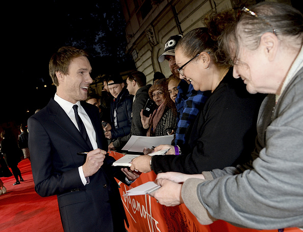Hugh Skinner「The Romanoffs Premiere」:写真・画像(10)[壁紙.com]