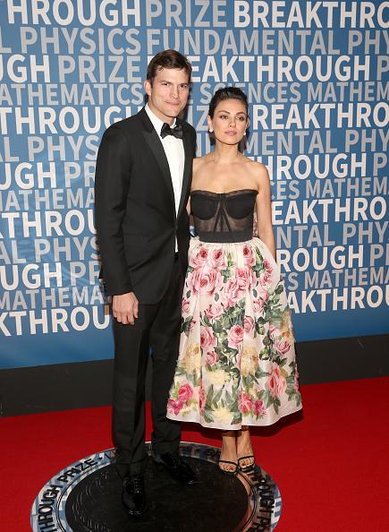 Ashton Kutcher「2018 Breakthrough Prize - Red Carpet」:写真・画像(9)[壁紙.com]