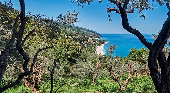 Aegean Sea「The beach of Agios Ioannis seen from the top of the cliff」:スマホ壁紙(12)