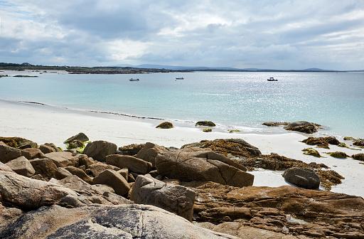 ビーチ「The beach of Gurteen Beach in West Ireland」:スマホ壁紙(3)