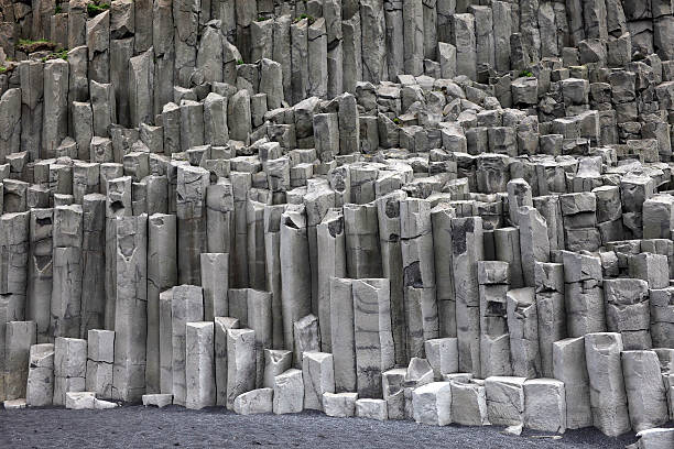 Tubular basalt columns:スマホ壁紙(壁紙.com)