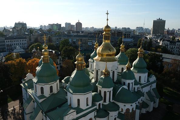 Church「Ukraine Finds Itself At Center Of U.S. Political Storm」:写真・画像(5)[壁紙.com]