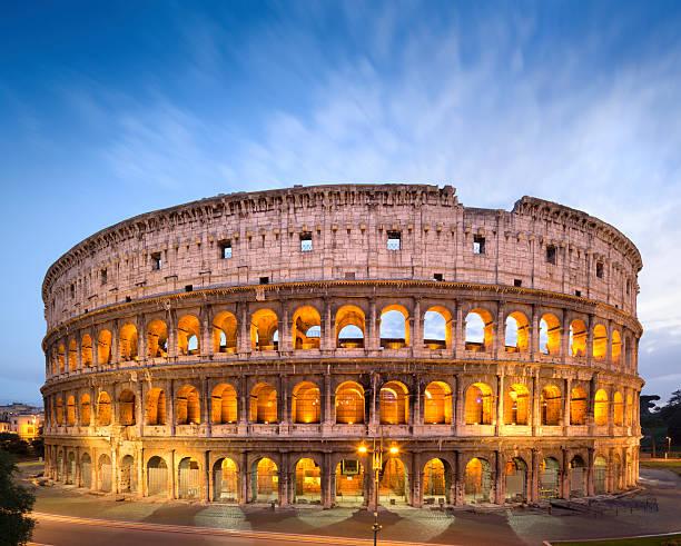 The Golden Colosseum at dusk in Rome, Italy :スマホ壁紙(壁紙.com)