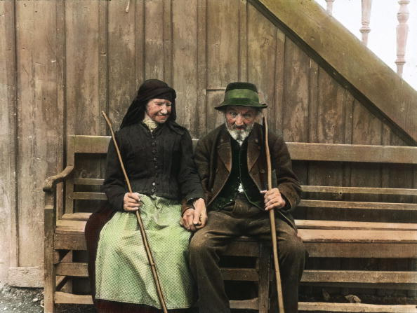 Salzkammergut「Old peasant and old peasant woman in front of their house. Salzkammergut. Hand-colored lantern slide. Around 1910.」:写真・画像(5)[壁紙.com]