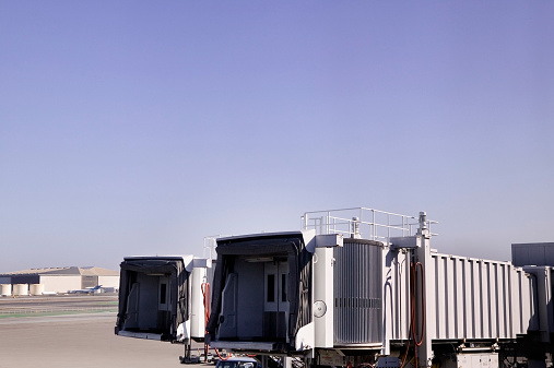 Kennedy Airport「USA, New York, JFK airport, boarding gate,  dusk」:スマホ壁紙(12)