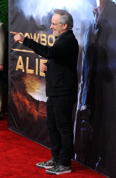 "Cowboys & Aliens「Premiere Of Universal Pictures ""Cowboys & Aliens"" - Arrivals」:写真・画像(15)[壁紙.com]"