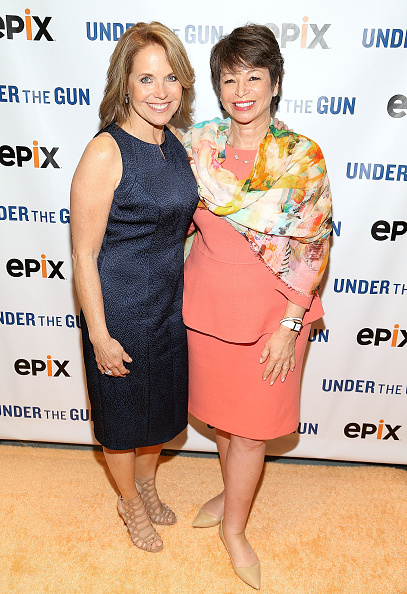 女性「UNDER THE GUN DC Premiere Featuring Katie Couric & Valerie Jarrett」:写真・画像(14)[壁紙.com]