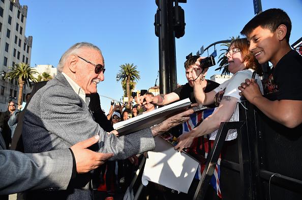 "Awe「World Premiere Of Marvel's ""Avengers: Age Of Ultron"" - Red Carpet」:写真・画像(2)[壁紙.com]"