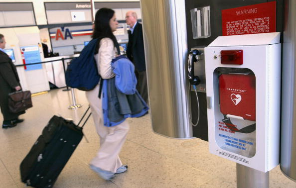 Tim Boyle「Study Finds Defibrillators In Public Areas Double Survival Rate」:写真・画像(16)[壁紙.com]