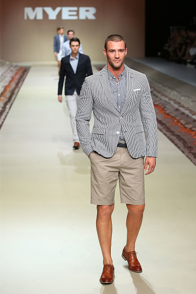 Beige Shorts「Myer Spring/Summer 2014 Collections Launch - Runway」:写真・画像(6)[壁紙.com]