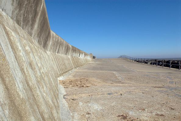 Horizon「Sea wall, Lowestoft, UK」:写真・画像(4)[壁紙.com]