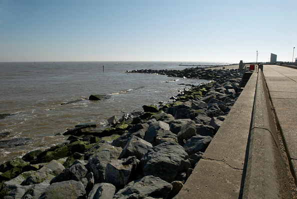 Horizon「Sea wall, Lowestoft, UK」:写真・画像(16)[壁紙.com]