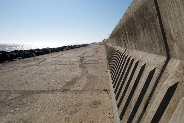 Horizon「Sea wall, Lowestoft, UK」:写真・画像(19)[壁紙.com]
