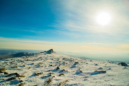 Frost「Mountain in winter」:スマホ壁紙(0)