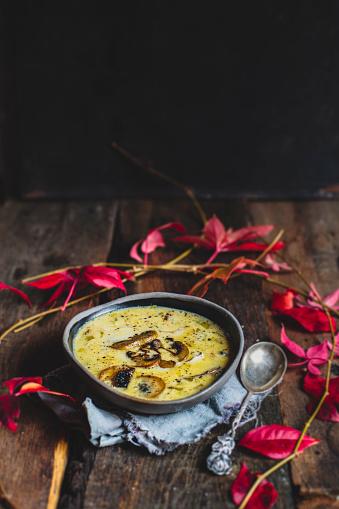 紅葉「Bowl of cheese soup with leek and mushrooms」:スマホ壁紙(11)
