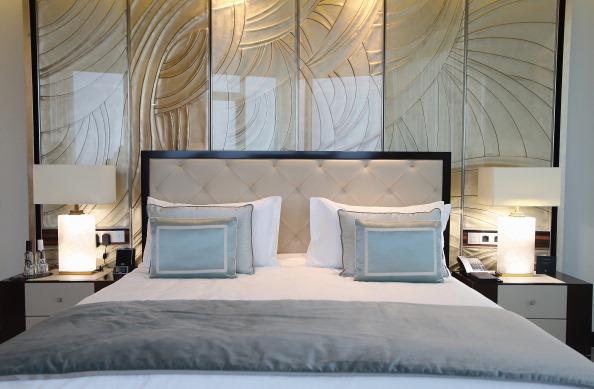 寝室「First German Waldorf Astoria Hotel Berlin Opens」:写真・画像(17)[壁紙.com]