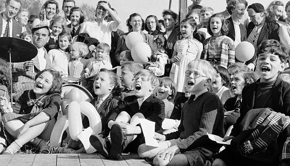 Gaiety Theatre「Television Fans」:写真・画像(7)[壁紙.com]